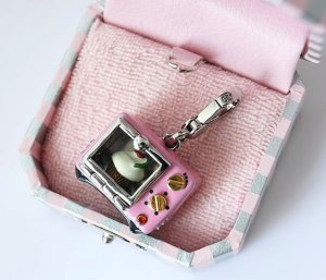 Juicy Couture Cupcake Oven Charm