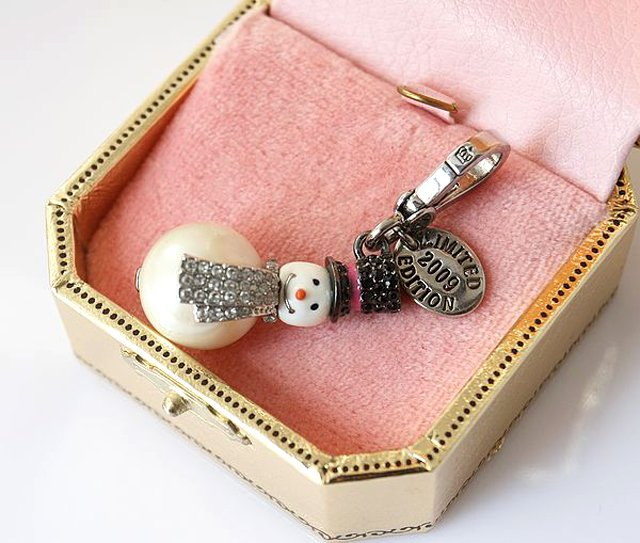 Juicy Couture 2009 Limited Edition Snowman Charm