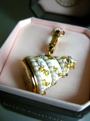 Juicy Couture New 2011 Wedding Cake Charm