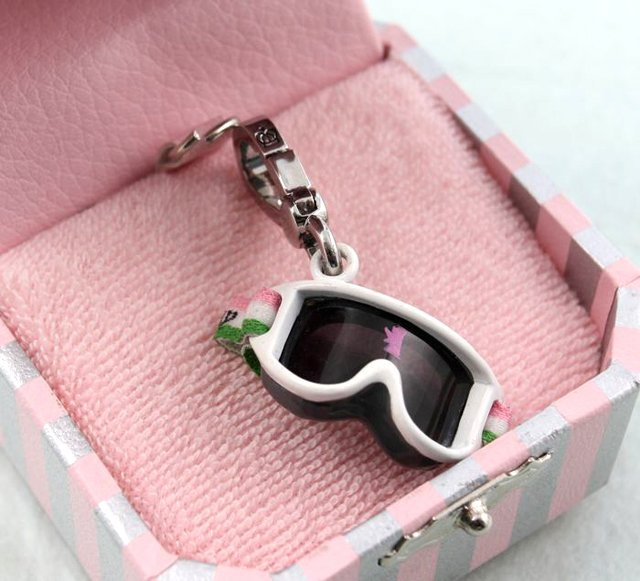 Juicy Couture Winter Ski Snow Bunny Goggles Charm (retired)