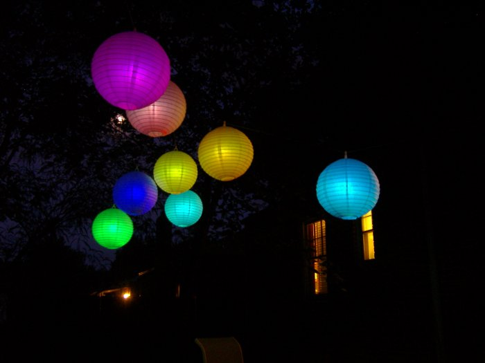 OZ-8 Package of 8 RGB color-changing LED paper lanterns