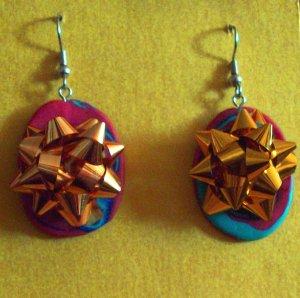 Gold Christmas bow earrings, multicolor back