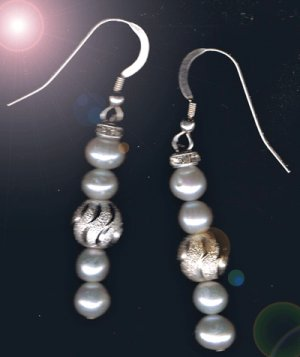 Sterling Silver and Freshwater Pearl Earrings !