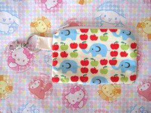 Cram Cream Fabric Zipper Pouch - Elephants & Apples