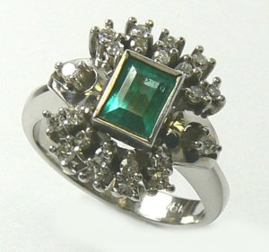 COLOMBIAN EMERALD & DIAMOND RING 1.46 CT