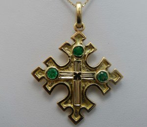 .60pts Fantastic! Colombian Emerald & 18k Yellow Gold Cross