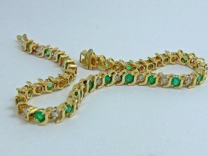 "2.0tcw Tennis Anyone? Colombian Emerald & Diamond ""S"" Link Tennis Bracelet"