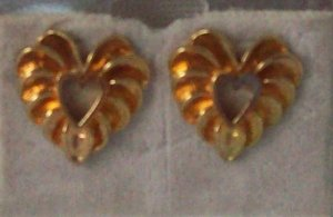 Jewelry, Hypo-allergenic gold Pierced Earrings, Nickel free, heart shaped**