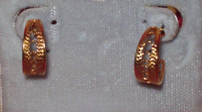 Jewelry, Hypo-allergenic gold Pierced Earrings, Nickel free, Crescent w/ filligree**