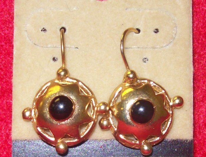 Fashion, Costume Jewelry, a pair of  Earrings w Half  ball w/ star design