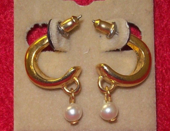 Fashion, Costume Jewelry, a pair of gold crescent earrings w/dangling  pearl
