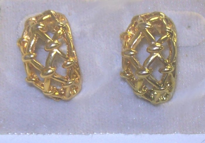 Fashion Costume Jewelry, a pair of  Hypo-allergenic Gold Earrings w/ filligree design**