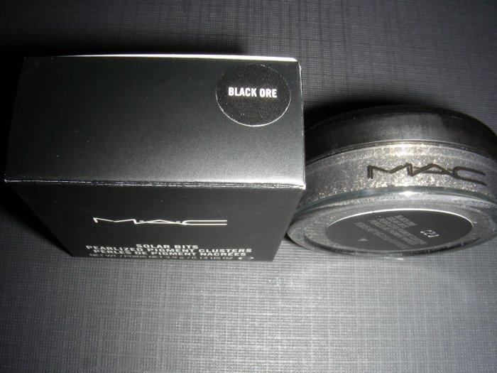 MAC BLACK ORE - SOLAR BITS SAMPLE