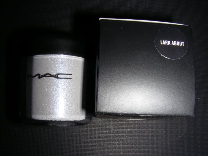 MAC LARK ABOUT LIMITED EDITION - PIGMENT SAMPLE