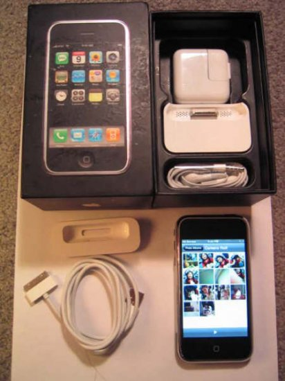 Apple Iphone 8GB with accessories