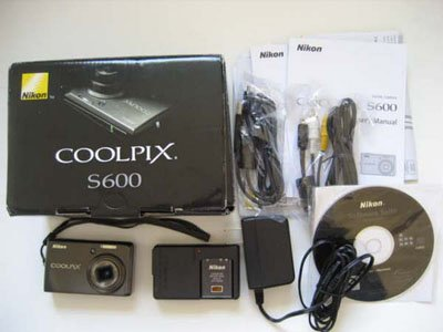 "Nikon Coolpix S600 10MP 4x Wide Angle 2.7"" LCD Compact Digital Camera"