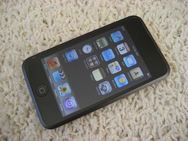 Apple Ipod Touch 1st Gen 16GB MP3 Wifi Safari Video Player