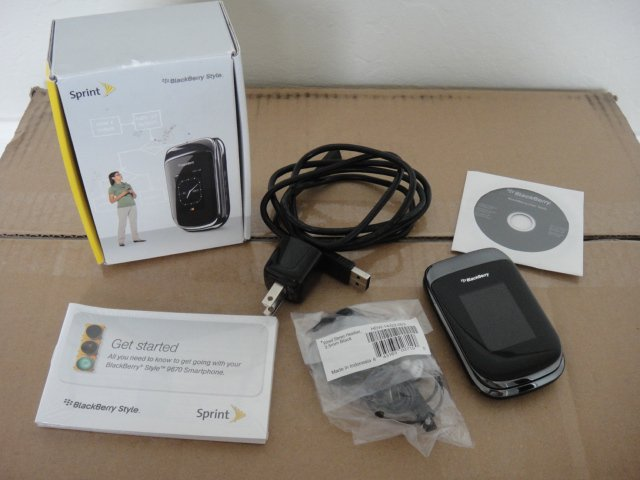 Sprint Blackberry 9670 Black 3G Wifi BT OS 6.0 5.0MP Good ESN