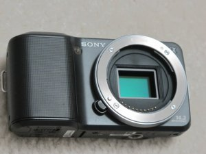 Sony NEX-3 Micro Third DSLR Digital Camera 14.2MP + E 18-55mm F3.5-5.6 OSS lens HD Movie