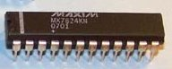 Lot of 2 Maxim MX7824 ADC 8-bit 4-ch 24PDIP Track/Hold