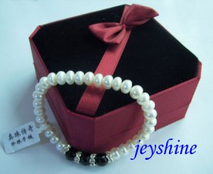 100%  Natural pearl Barcelets from china !