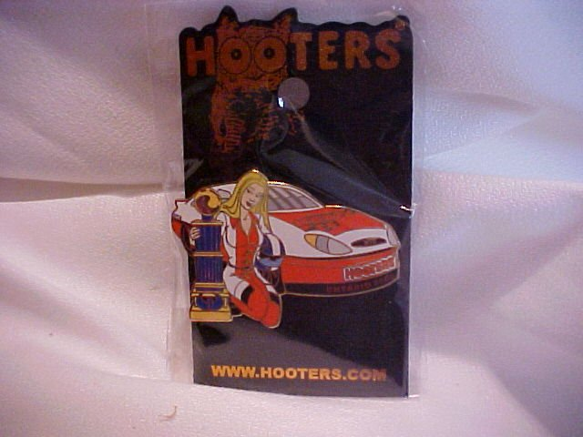 Hooters Race Car 2005 Ontario Pin