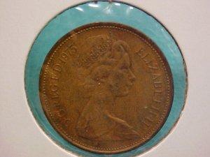 Elizabeth II   2 New Pence 1975  Coin