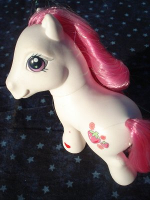 Strawberry Swirl (My Little Pony)