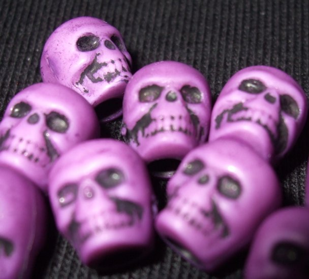 20 DArK puRpLe LOliTa DAy oF thE DeAd sKuLL BeAdS Skulls