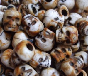 10 ROTTEN RUSTY DAy oF thE DeAd Skull Beads LOLITA