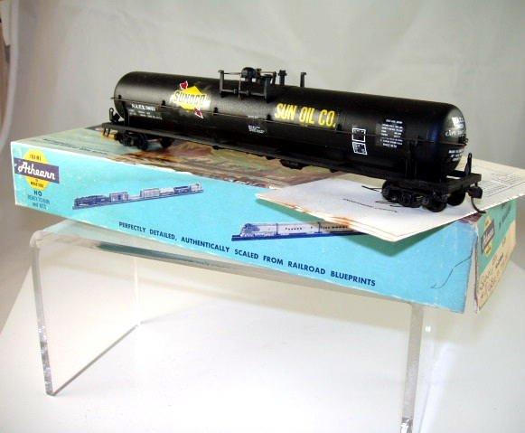 Athearn  HO Scale  Sun Oil Company(Sunoco) 62FT.  Tank Car# 78023
