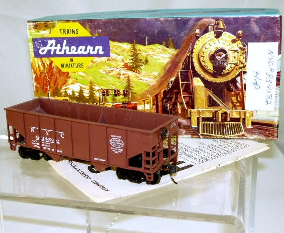 Athearn  HO Scale  NYC  34FT. Open-Top Ribbed-Side Hopper#834592
