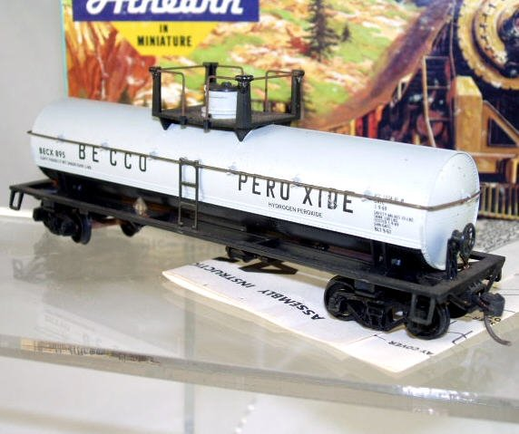 Athearn Bev Bel  HO Scale  Becco Peroxide  42FT.  Chemical Tank Car#BECX895