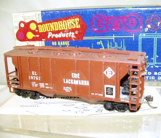 Roundhouse  HO Scale  EL  34FT. 2-Bay Covered Hopper#EL19763