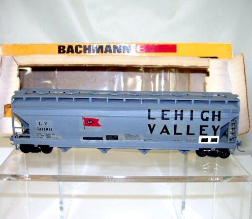 Bachmann  HO Scale  LV(custom)  54Ft.  ACF Center-Flow 4-Bay Covered Hopper#LV50901