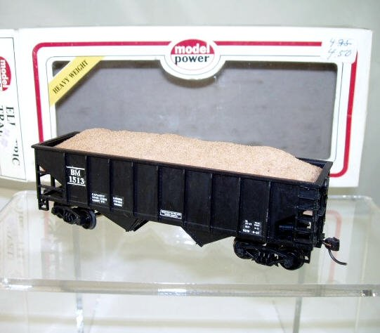 Model Power  HO Scale  Boston&Maine  36FT. Open-Top 2-Bay Hopper With Load#BM1513