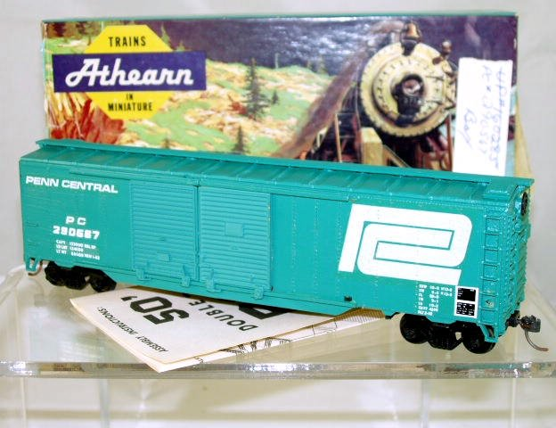 Athearn  HO Scale  Penn Central  50FT. Double-Door Steel Box Car#PC290567
