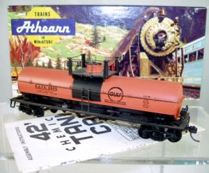 Athearn  HO Scale  Gulf Oil  42Ft. Single-Dome Chemical Tank Car#GATX2605
