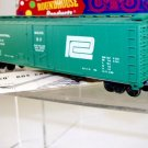 Roundhouse HO Scale  Penn Central  50Ft. Plug-Door Box Car#PC21068
