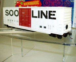 Roundhouse HO Scale  SOO Line  50Ft. Hi-Cube Rib-Side Box Car#SOO178796