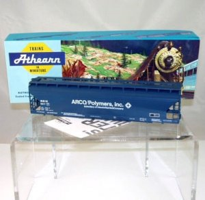Athearn/Rail Runner HO Scale  Arco/Polymers Inc.  55Ft. Center Flow Covered Hopper Kit#887