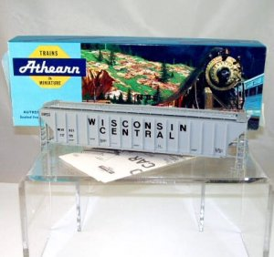 Walthers/Athearn(Limited Edition) HO Scale  Wisconsin Central  54Ft. Covered Hopper Kit#97821