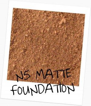 Mineral Makup  Matte Cover Foundation N5  Sample