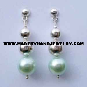 .950 Pure Silver Earrings with Green colored Pearl