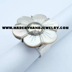 .950 Silver Ring with Nacar *EMAIL SIZE FOR AVAILABILITY AND PRICE*