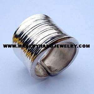 .950 Silver Cylinder Ring with Line Designs