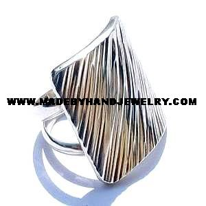 .950 Silver Square Ring with Line Designs