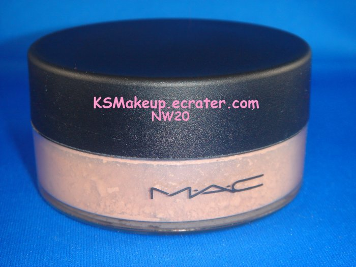 M.A.C  Sheer Loose Powder #NW20