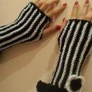 Stripe Knitted Black-white mittens,gloves