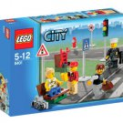 Lego City Mini-figure Collection 8401 (2009) New! Sealed!